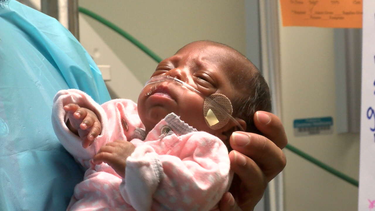 10 Ounce Baby Born At Charlotte