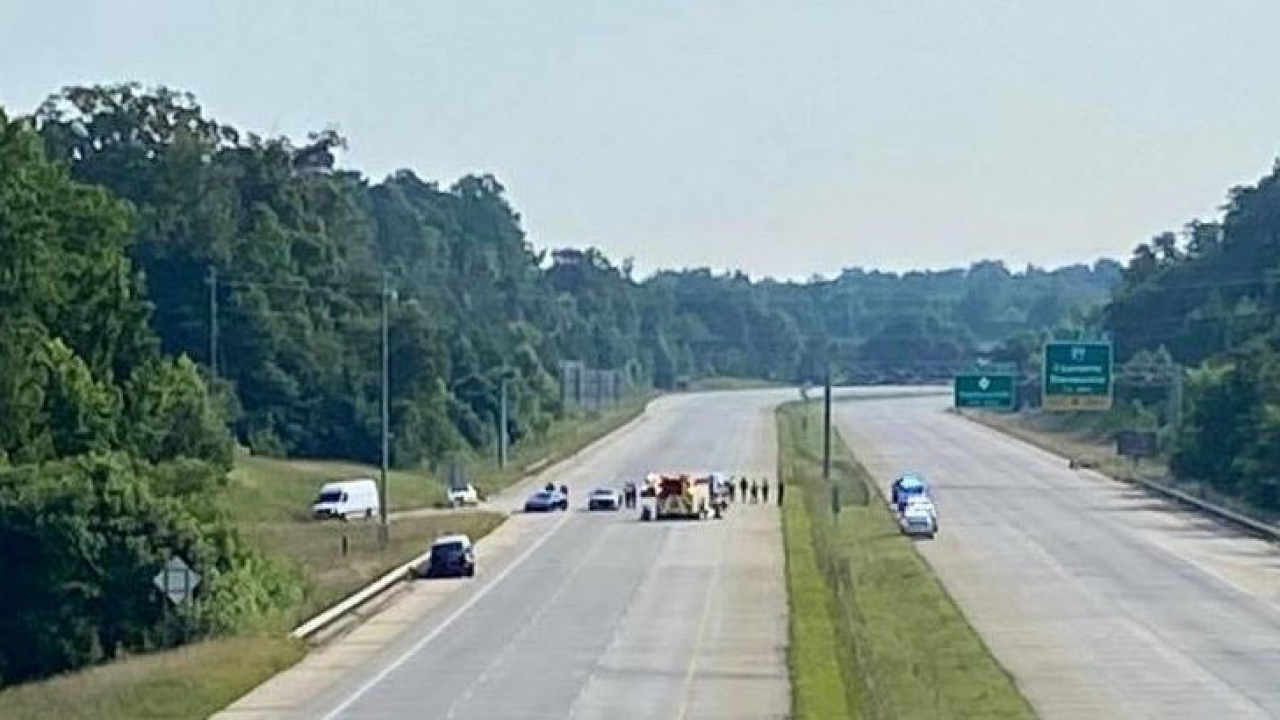 I-485 shut down in both directions for state trooper accident